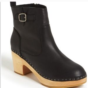 Steve Madden Olaaf Clog Boots